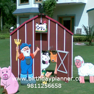 Barnyard theme party planner