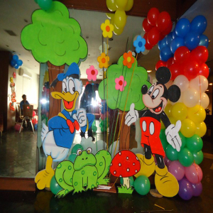 daisy duck theme party