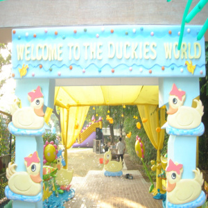 duck theme gate for birthday party