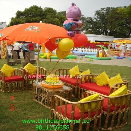 outdoor decoration with pool party