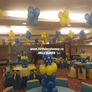 indoor balloon decoration idea