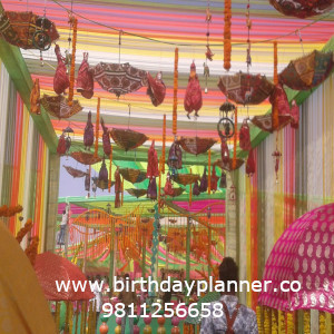 decoration with theme party decoration