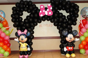 indoor balloon decor