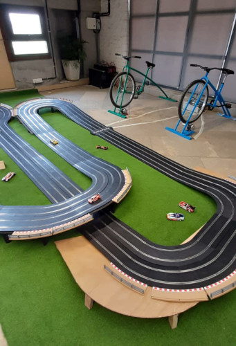 interactive cycle race