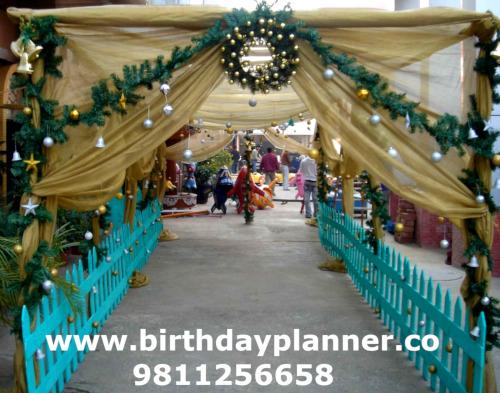 Christmas theme party guru gram