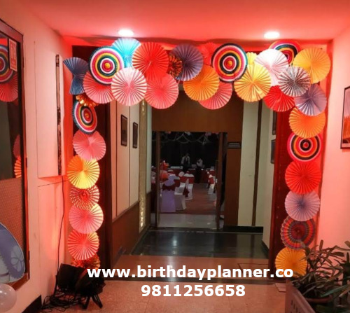 decoration of balloon at home